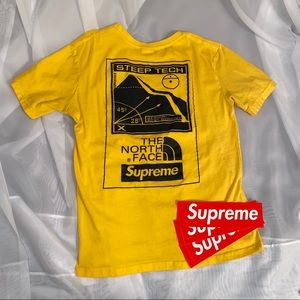🔥Supreme x The North Face tee🔥